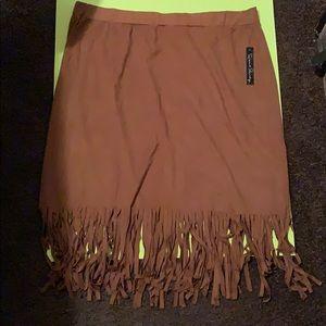 Dresses & Skirts - (Women's) pull on Fringed skirt size 2X
